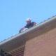 Trabajo vertical limpieza canalón